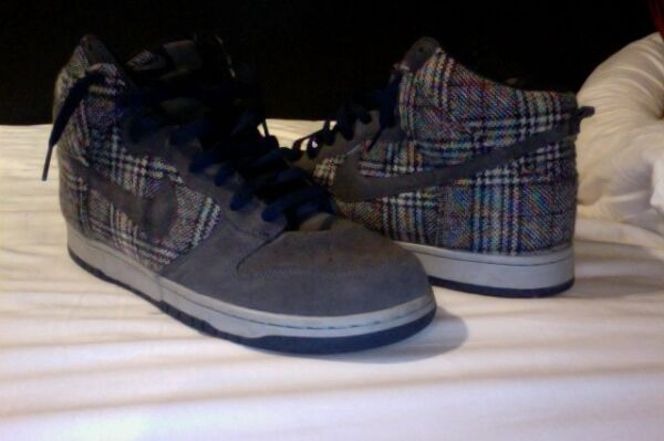 Nike hightop shoes size 11