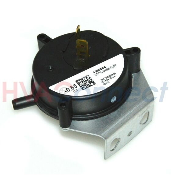 OEM York Luxaire Coleman Furnace Air Pressure Switch 024 27577 000 0.65 PF $32.29