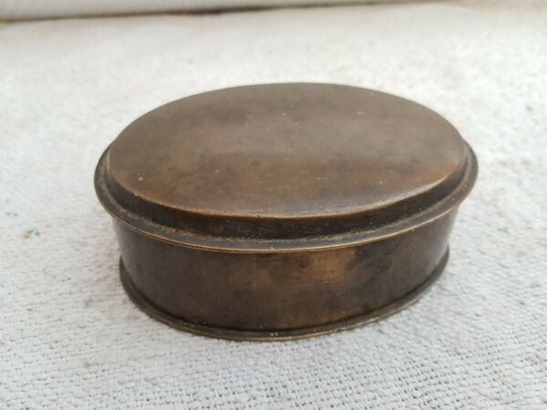 1800's ANTIQUE RARE OVAL SHAPE HANDMADE HEAVY BRASS PILL BOXVERY RICH PATINA