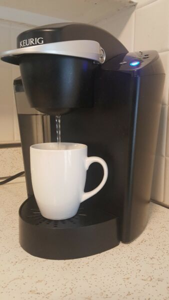 Keurig Single Cup Brewing System Coffee Maker Model B - 40. Good Condition.