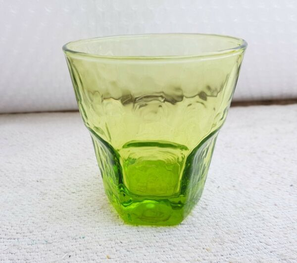 ANTIQUE SCARCE FINGER PRINT DESIGN UNIQUE NEON GREEN GLASS TUMBLER-TOP CONDITION