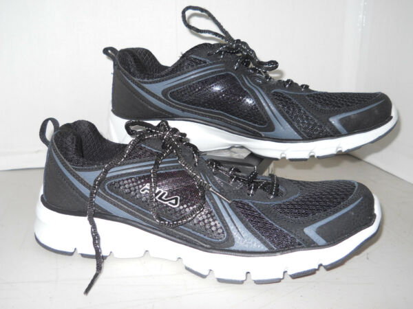 Fila Running Sneakers Tennis Shoes Black and White Women's Size 9 (91175)