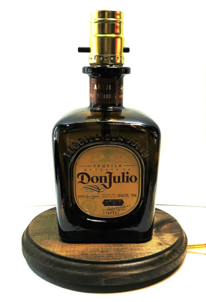 Don Julio Anejo Tequila Liquor Bottle Bar TABLE LAMP Light with Wood Base
