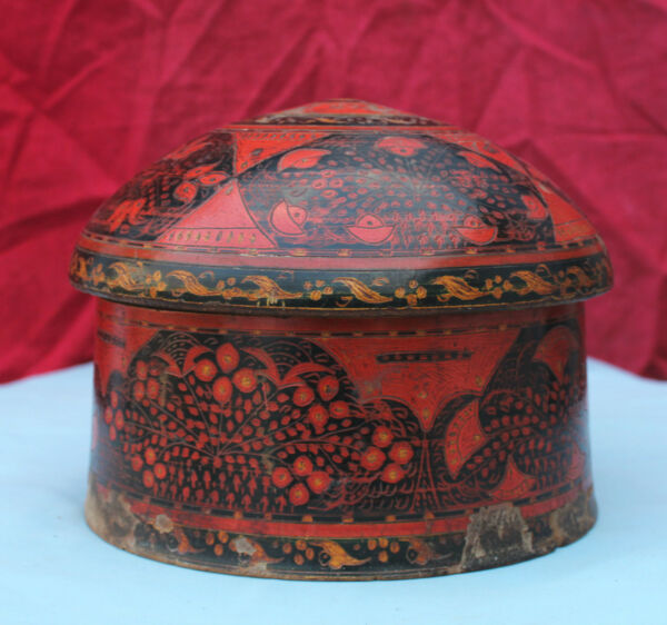 Old Original Rare Handmade Lacquer Painted Indo Persian Sindh Wooden Turban Box