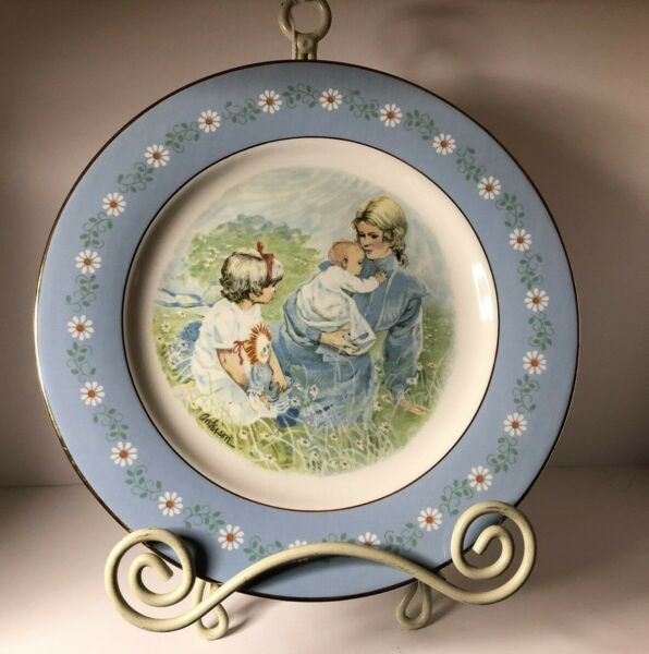 VINTAGE AVON TENDERNESS PLATE DECORATED AND PRODUCED IN SPAIN FOR AVON 1974