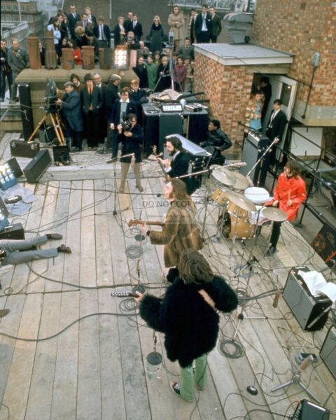 quot;THE BEATLESquot; ON A ROOFTOP FOR FINAL PUBLIC PERFORMANCE 8X10 PHOTO EP 923 $7.98