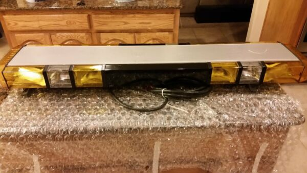WHELEN EDGE 8 STROBE LIGHTBAR RE-MANUFACTURED WITH WARRANTY LIMITED SALE