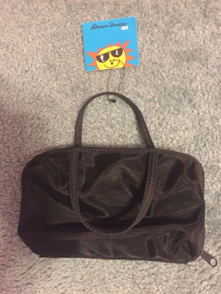 New Down Under Small Bag 5x8 3 Zip Compartments $8.00