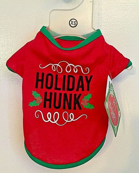 BNWT HOLIDAY HUNK GREEN RED WHITE HOLIDAY CHRISTMAS DOG CAT PET T SHIRT SIZE XS $8.00