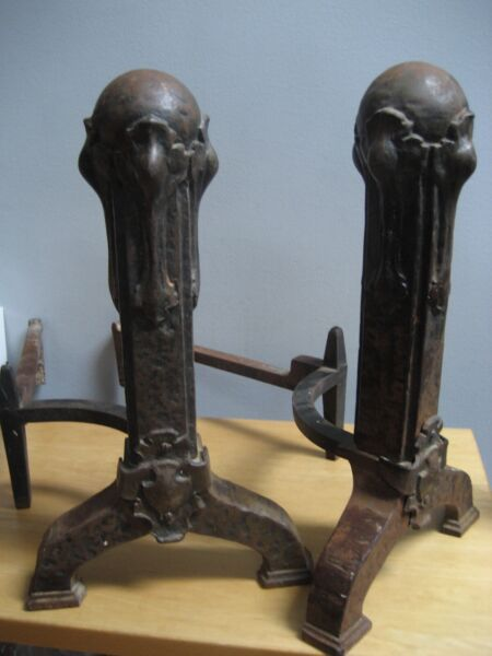 2 ANTIQUE ART DECO CAST IRON PEERLESS FIREPLACE ANDIRONS 18