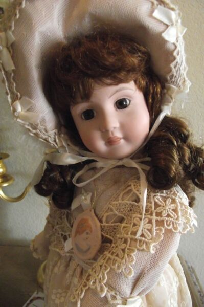 ANTIQUE REPRODUCTION FULL BALL JOINTED BODY PORCELAIN #1707 VICTORIAN DOLL NEW