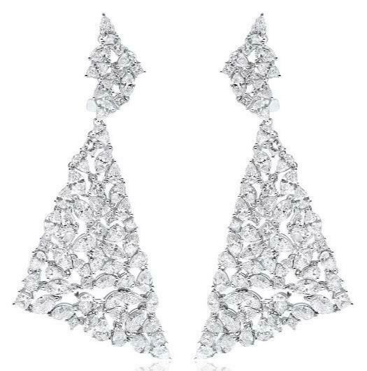 EXTRA LARGE 19.23CT DIAMOND 18KT WHITE GOLD CLUSTER TRIANGULAR HANGING EARRINGS