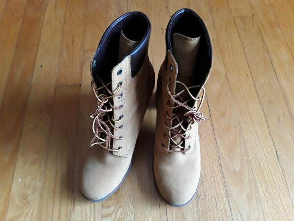 Timberland original womens stylish boots size 10 C $109.99