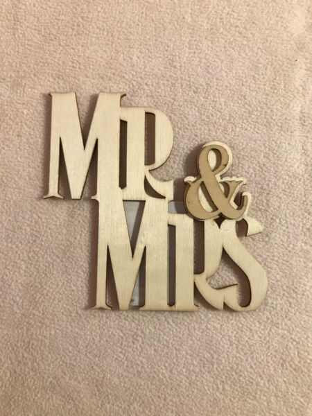 MR amp; MRS UNPAINTED DIY WOOD WEDDING BRIDAL SHOWER PLAQUE DECORATION