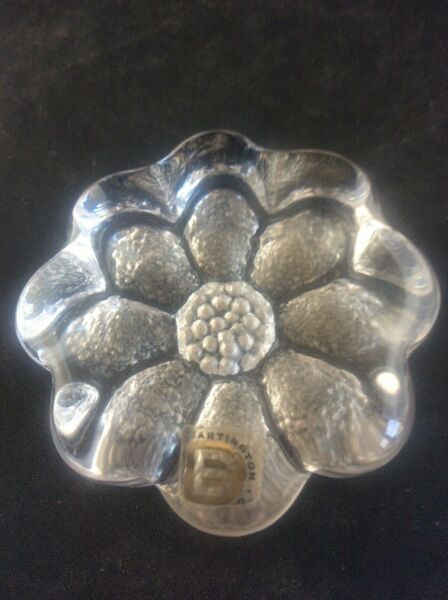 Dartington Glass FT208 Daisy Paperweight Produced 1976 - 1980 with Paper Label