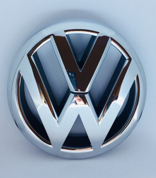 VOLKSWAGEN GENUINE OEM 2011 TO 2014 JETTA FRONT GRILLE BADGE EMBLEM 5C6853601
