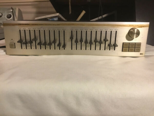 Realistic Ten Band Stereo Frequency Equalizer Model 31-2005
