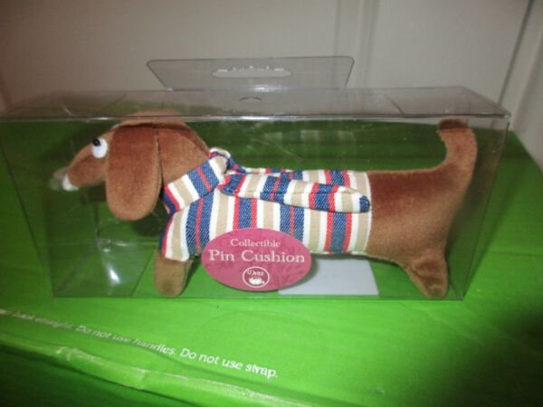 Dachshund Sausage Wiener Dog Sewing Pin Cushion Collectible NEW in Box $16.99
