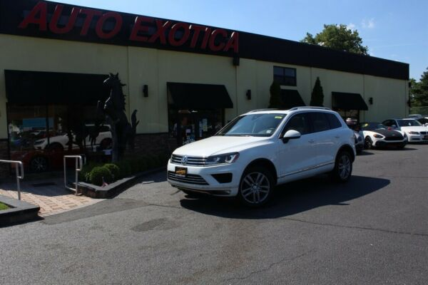 2016 Volkswagen Touareg VR6 Lux VR6 Lux 3.6L V6 280hp 266ft. lbs. Automatic Volkswagen Pure White