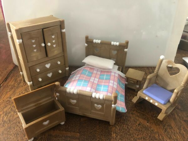 Calico Critters - RUSTIC COUNTRY HEART BEDROOM - Sylvanian Families
