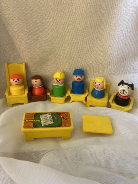 Vtg Fisher Price Little PEOPLE DOG CHAIRS DESK $22.00