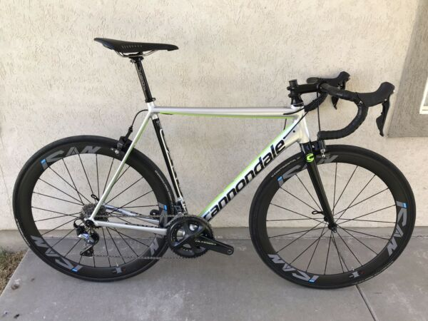 Cannondale CAAD 12 Shimano Ultegra R8000. ICAN Carbon Clincher Wheels. 56cm.