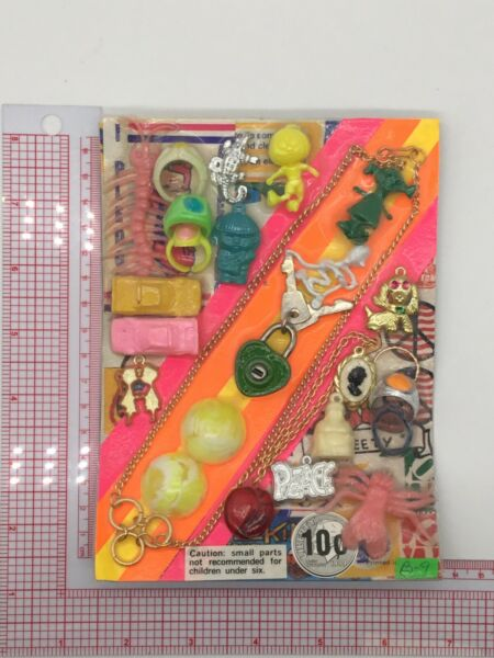 Plastic Toy and Charm Assortment Gumball Vintage Vending Display Card CD023 $27.50