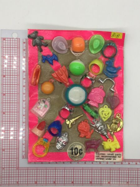 Plastic Toy and Charm Assortment Gumball Vintage Vending Display Card CD0211 $27.50