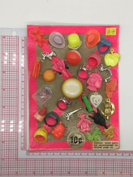 Plastic Toy and Charm Assortment Gumball Vintage Vending Display Card CD033 $27.50