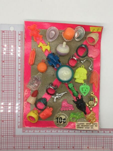Plastic Toy and Charm Assortment Gumball Vintage Vending Display Card CD038 $27.50