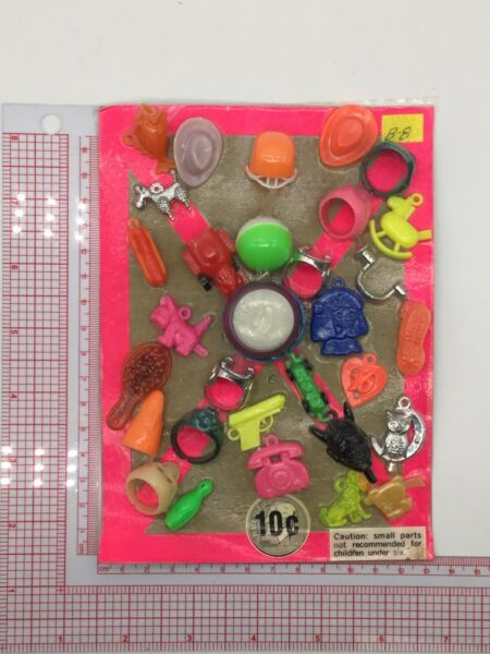 Plastic Toy and Charm Assortment Gumball Vintage Vending Display Card CD039 $27.50