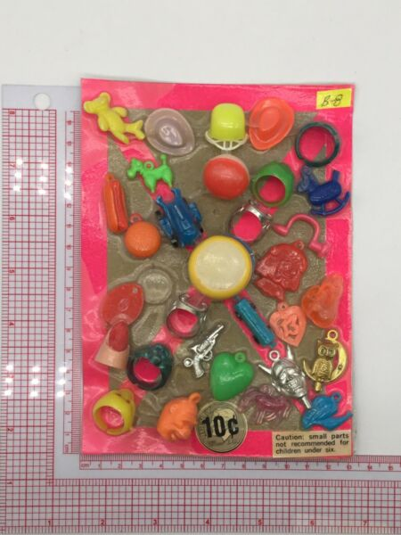 Plastic Toy and Charm Assortment Gumball Vintage Vending Display Card CD58 $27.50