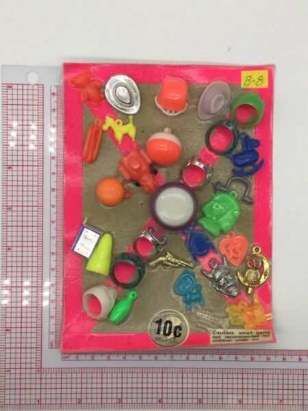 Plastic Toy and Charm Assortment Gumball Vintage Vending Display Card CD511 $27.50