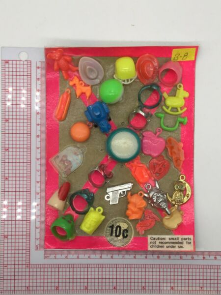 Plastic Toy and Charm Assortment Gumball Vintage Vending Display Card CD512 $27.50