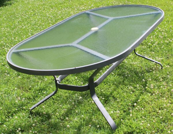 Tropitone Patio glass table local pick up only in MARYLAND