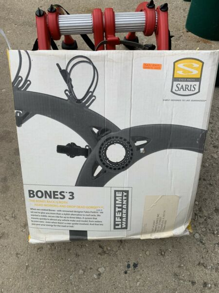 Saris Red Super Bones Trunk Bike Rack Carrier Mounts 3 Bikes $149.00