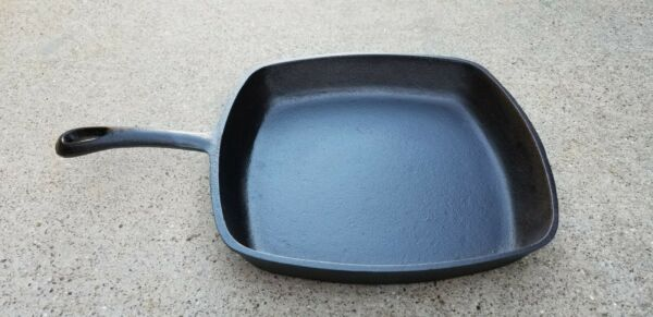 Unmarked BSR Cast Iron Square Skillet Pan Made in USA
