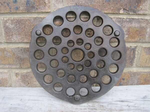 Lodge Cast Iron Dutch Oven Trivet USA # 8 DOT