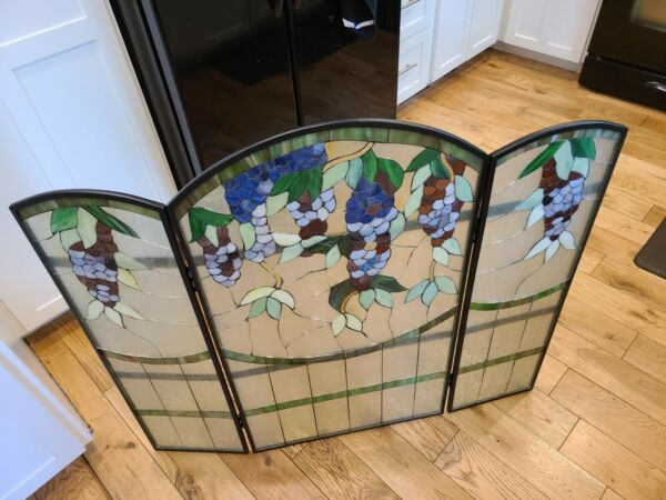 WISTERIA STYLE STAINED GLASS FIREPLACE FOLDING SCREEN. App 35.5quot; x 40quot; open.