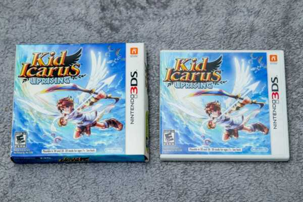 ✅ Kid Icarus: Uprising 3DS WITH STAND 2012 edition