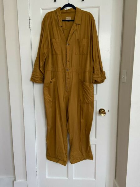 Universal Thread Women#x27;s Collared Boiler Suit Gold Size 22W $15.99