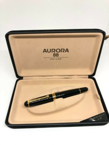 Aurora 88 BIG Collectible Fountain pen with 14 kt Gold nib complete with box