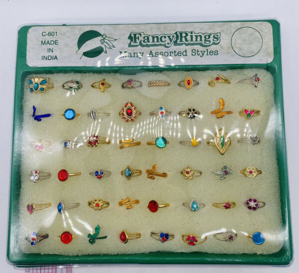 Fancy Rings Vintage Vending Display Card Stocking Stuffer NOS
