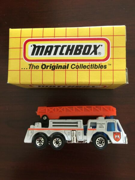 Vintage Matchbox #18 Fire Truck New in Box 1993