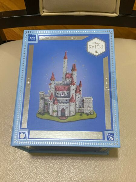 New ✨🏰 Snow White Castle Ornament Disney Castle Collection Limited Edition
