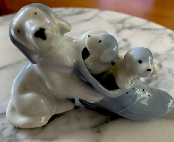 """Dog amp; Puppies in a Shoe Porcelain Blue White Figurine Japan 4"""" Vintage Collectib $12.75"""