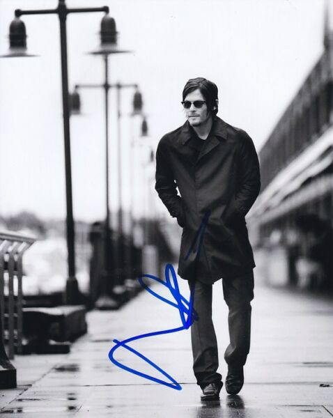 NORMAN REEDUS Signed Autographed Photo
