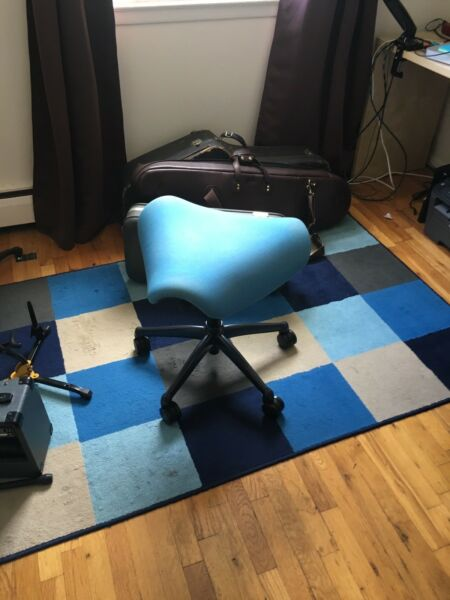 Humanscale Freedom Saddle Chair