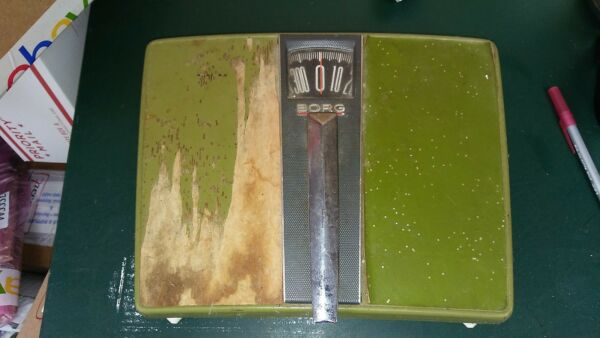 7CCC46 BORG BATH SCALE MISSING FOOT PAD ON LEFT SIDE WORKS WELL 12