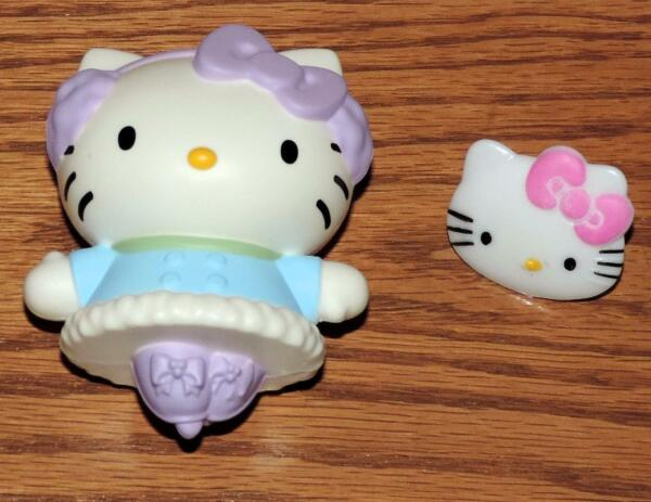 NM 2011 LE SANRIO #1 quot;ICE SKATING HELLO KITTYquot; McDONALD#x27;S HAPPY MEAL TOY amp; RING